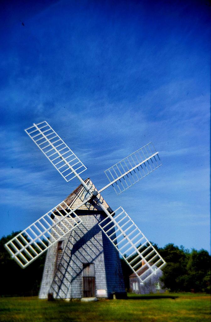 Dummer-Boy-Wind-Mill.jpg