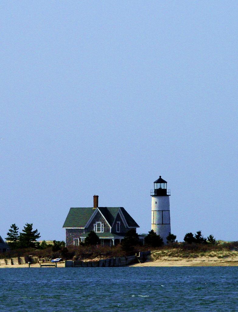 Sandy-Neck-Light--1.jpg